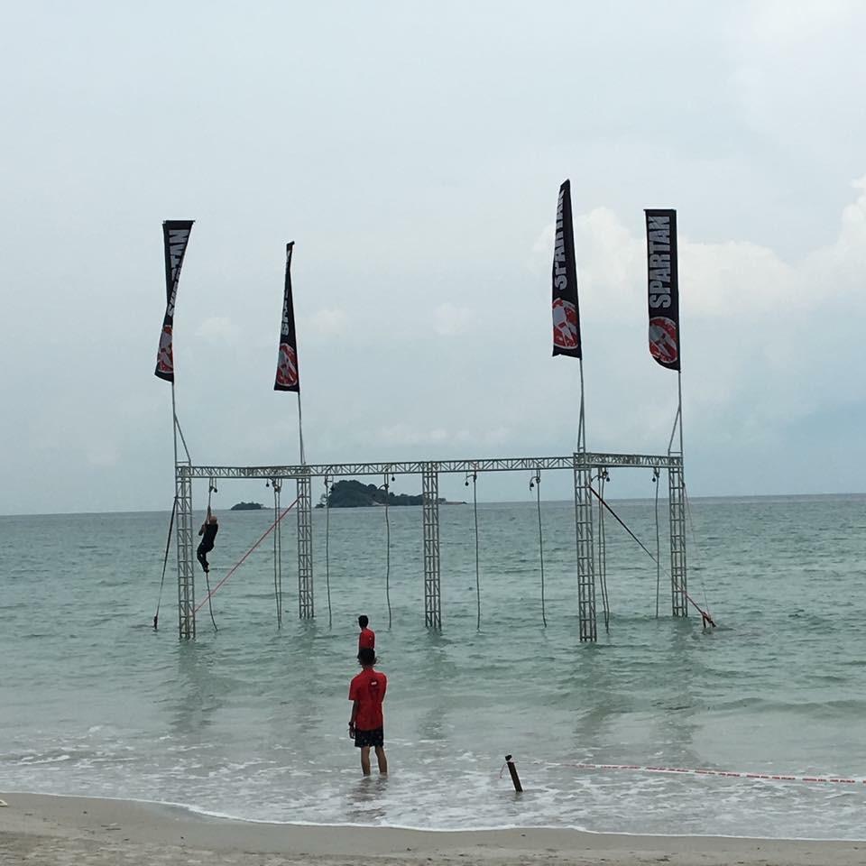 singapore-spartan-rope-climb