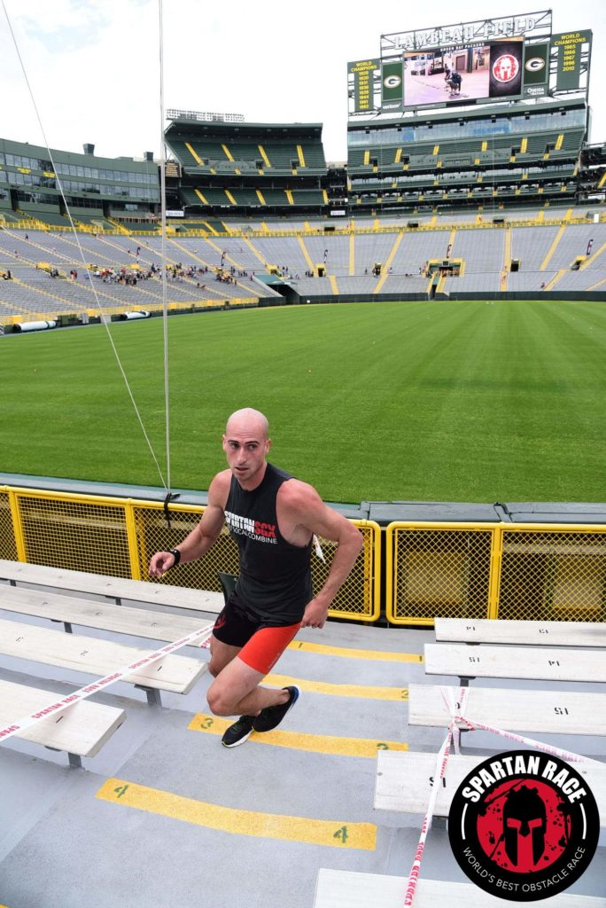 Brakken-Kraker-at-Lambeau-Stadium-Sprint