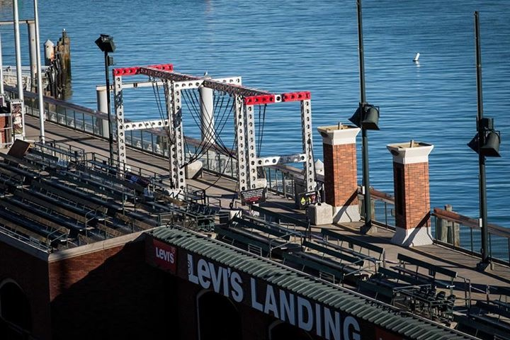 AT&T-Stadium-Sprint-Rope-Climb