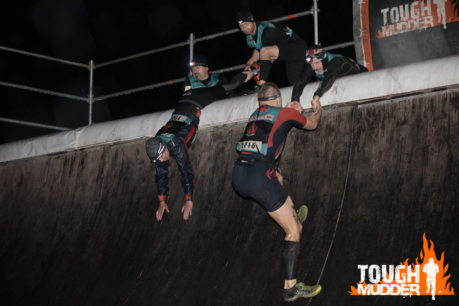 Toughest-Mudder-Berlin-Everest